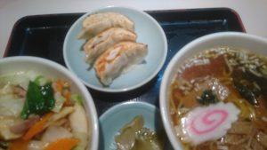巣鴨寿楽の中華丼セット餃子