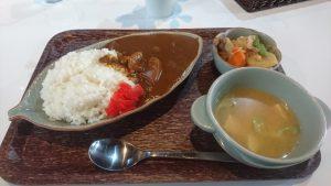 ナニコレ食堂の カレーライス 味噌汁肉じゃがセット