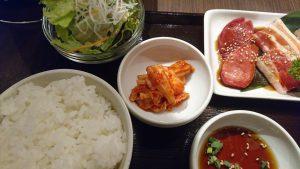 炭火和牛一頭焼肉錦焼肉ランチセットキムチ